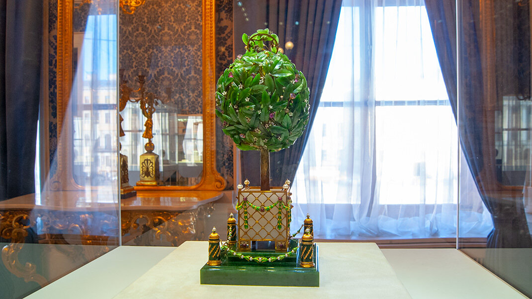 Laurus tree egg Faberge
